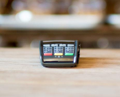 Refurbished iPP320 Ethernet Credit Card Reader